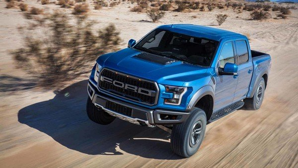 Ford F-150 Raptor 2019 on the road