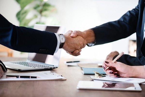 handshake between two men