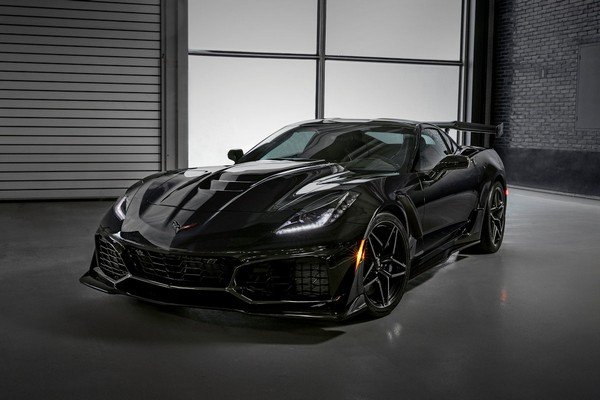 Chevrolet Corvette 2019 angular front