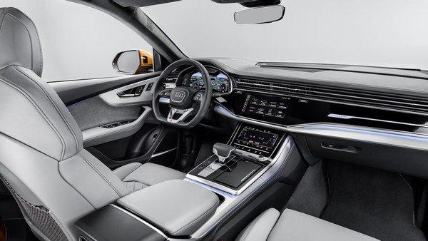 Audi Q8 2019 dashboard area