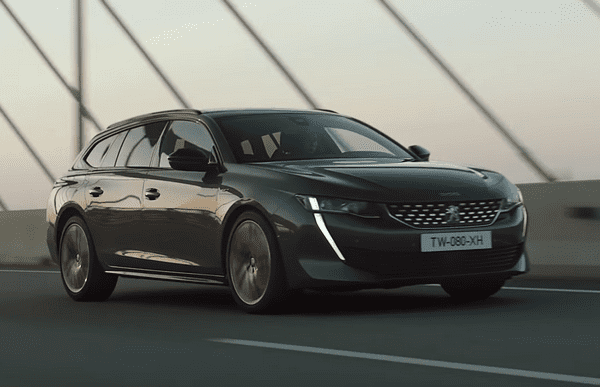 Angular front of Peugeot 508 SW 2019