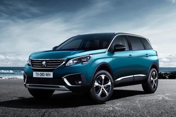 Angular front of the Peugeot 5008