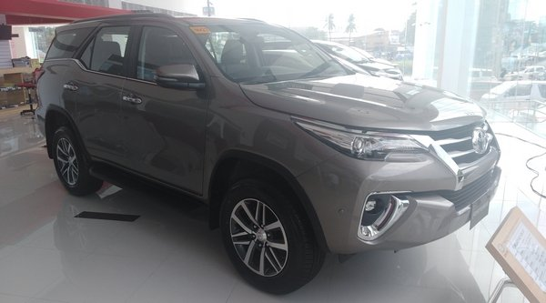 2018 Toyota Fortuner diesel automatic Philippines angular front
