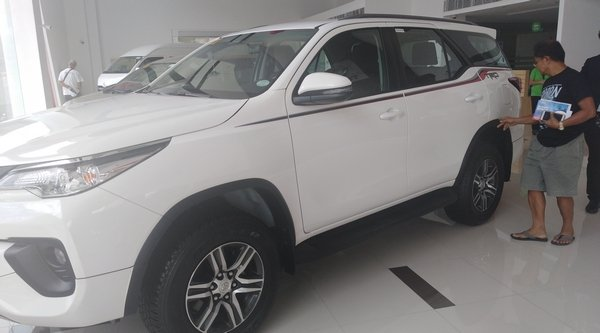 2018 toyota fortuner philippines angular front
