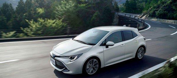 Toyota Corolla Sport 2019 on road