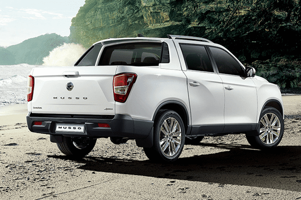 Angular rear of the SsangYong 2018