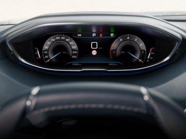 Peugeot 5008 2018 control panel