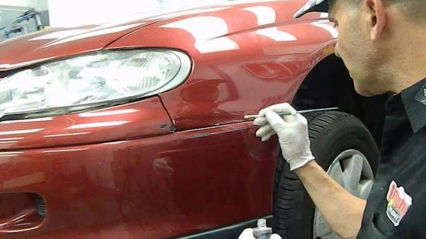 painting a car's scratches