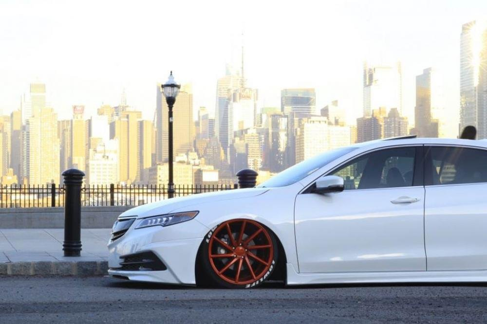 A picture of Honda Acura with lowered suspension