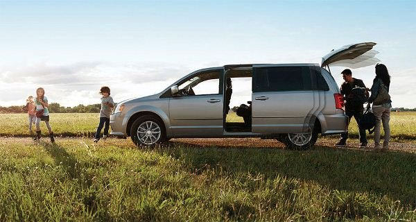 minivan and family
