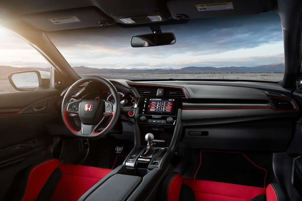Honda Civic Type R 2018 dashboard area