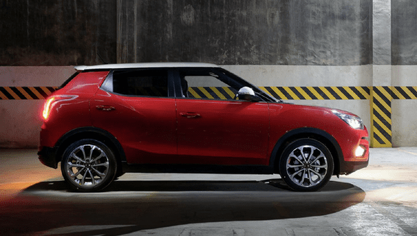 the side of the SsangYong Tivoli 2018 Premium Sport