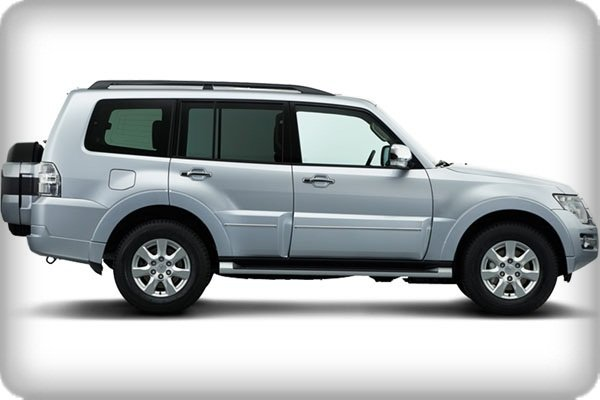 Mitsubishi Pajero 2019 side view