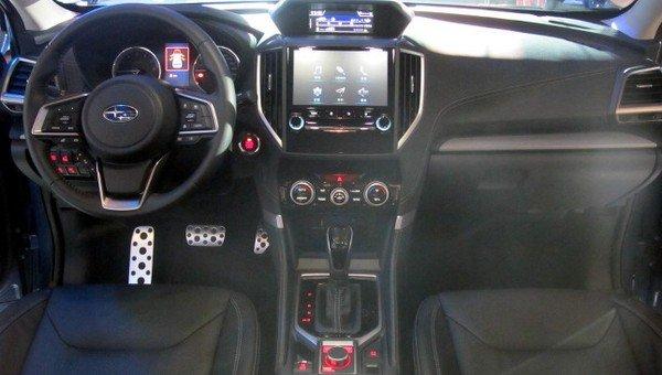 Subaru Forester 2019 dashboard area