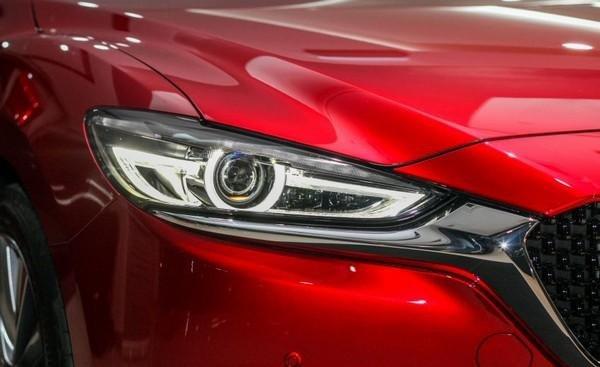 Mazda 6 2018 facelift LED headlights