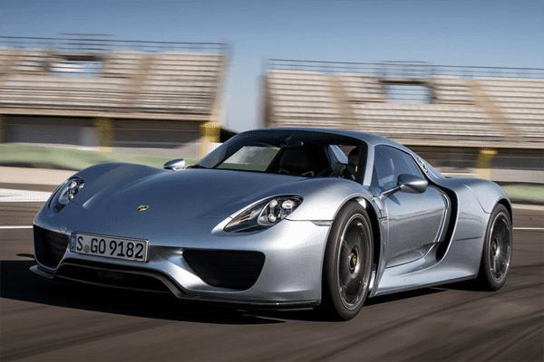 Porsche 918 Spyder proving it is the fastest car