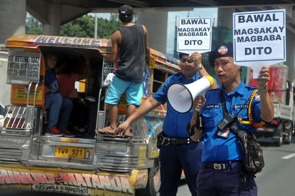 Polices announcing for Traffic Violations in the Philippines