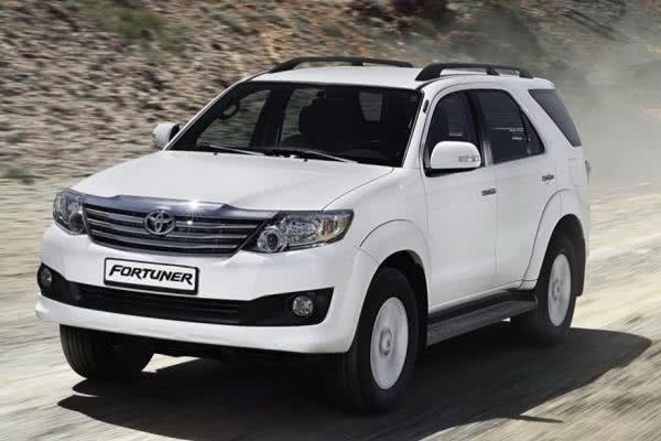 first generation toyota fortuner angular front