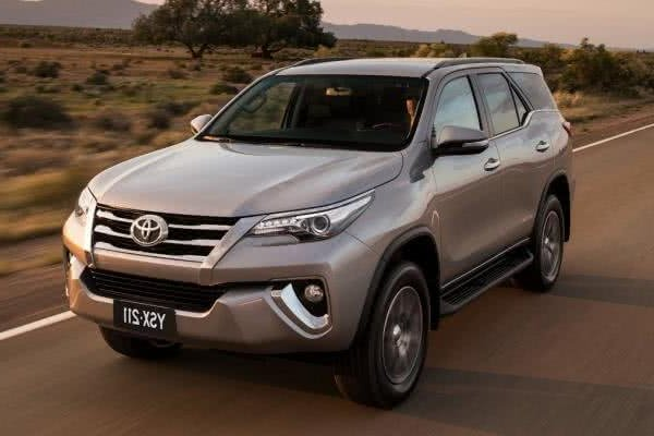 second generation toyota fortuner angular front