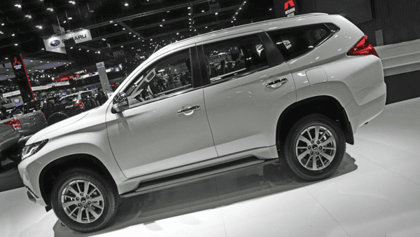 side of the Mitsubishi Pajero 2019