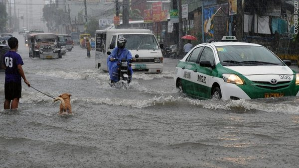 flood in the Philippine streets