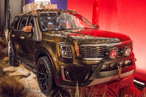 angular front of the Kia Telluride 2019 at New York Fashion Show
