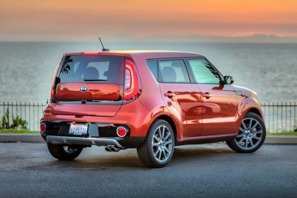 Kia Soul 2018 angular rear - one of the most favorite diesel cars philippines