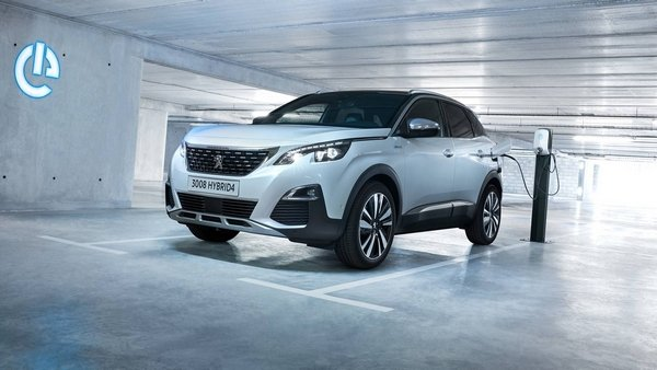 electrified Peugeot 3008 GT 2019 angular front