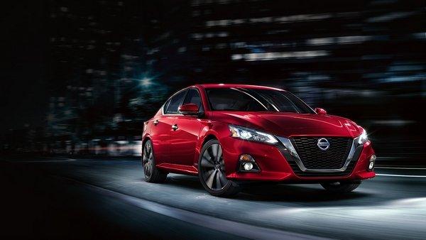 Nissan Altima anglar front