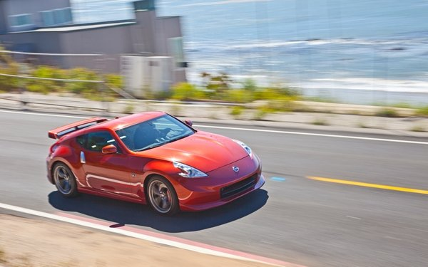 nissan z370 on the road