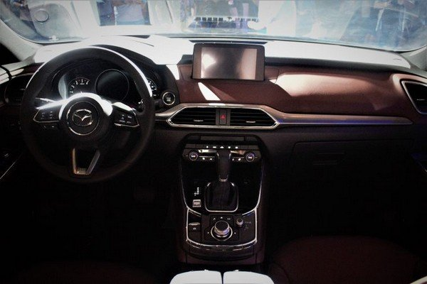 Mazda CX-9 2019 dashboard area