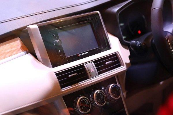 Center console of the Mitsubishi Xpander