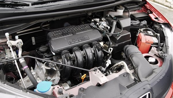 honda jazz engine bay