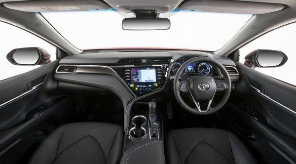 Toyota Camry 2019 dashboard area