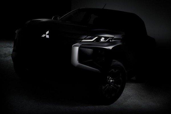 Teased Mitsubishi Strada 2019 angular front