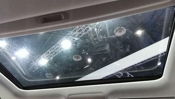 Toyota Land Cruiser VX sunroof at PIMS 2018