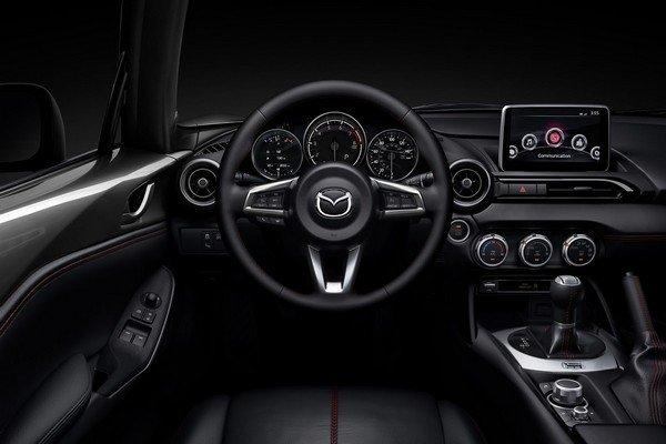 Mazda MX-5 2019 dashboard area
