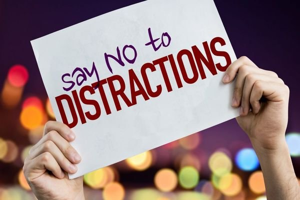 no to distracted driving