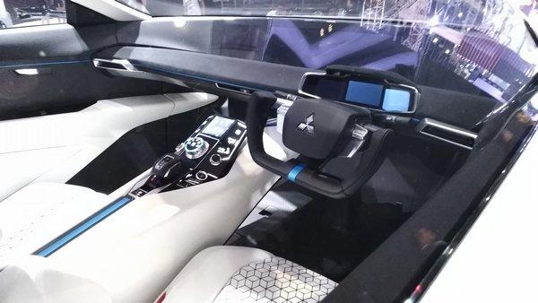 mitsubishi e-evolution concept interior