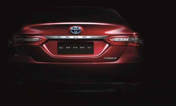 Toyota Camry 2019 rear view