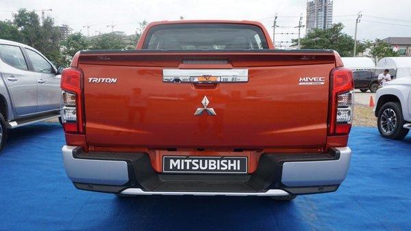 Mitsubishi Strada 2019 rear