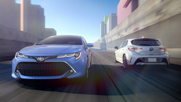Toyota Corolla 2019 hatchback on the road