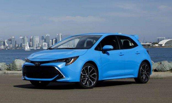 Toyota Corolla 2019 hatchback angular front