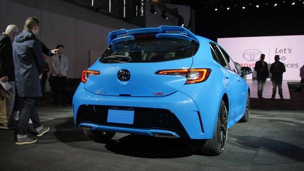 Toyota Corolla 2019 hatchback angular rear