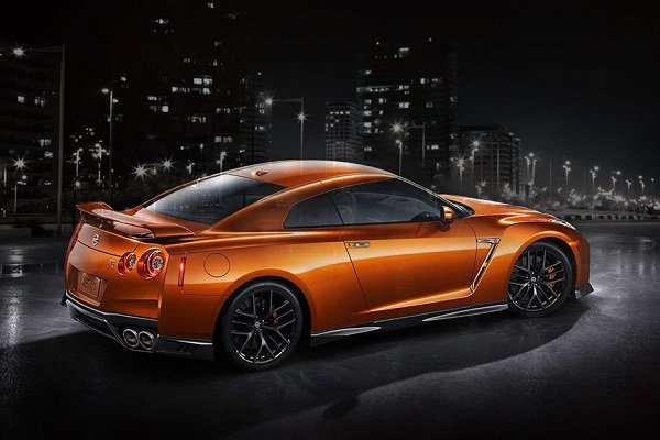 Front-side view of the GTR