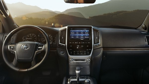 toyota land cruiser 2019 interior