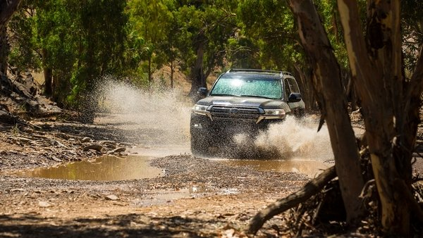 toyota land cruiser 2019 off-road capability