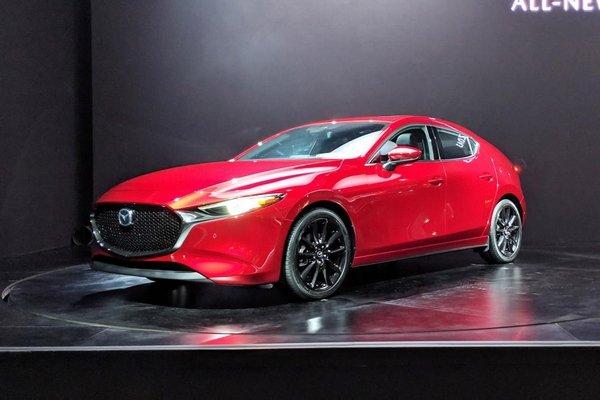 Mazda 3 2019 angular front