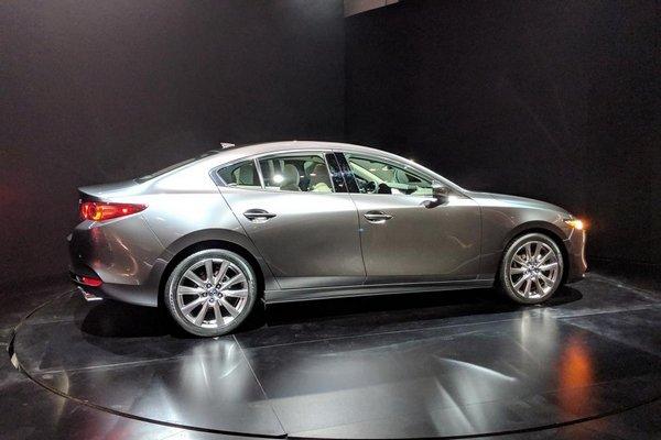 Mazda 3 2019 side view
