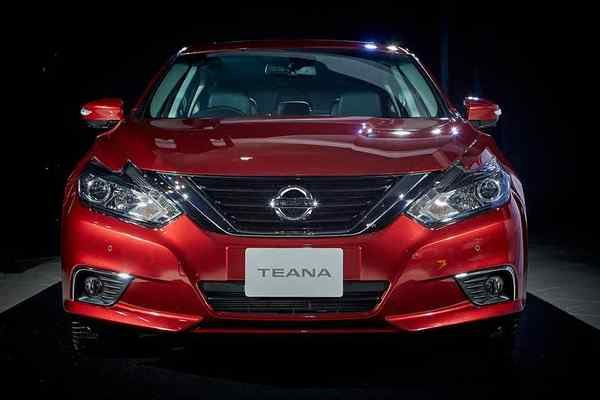 Nissan Teana 2019 front view